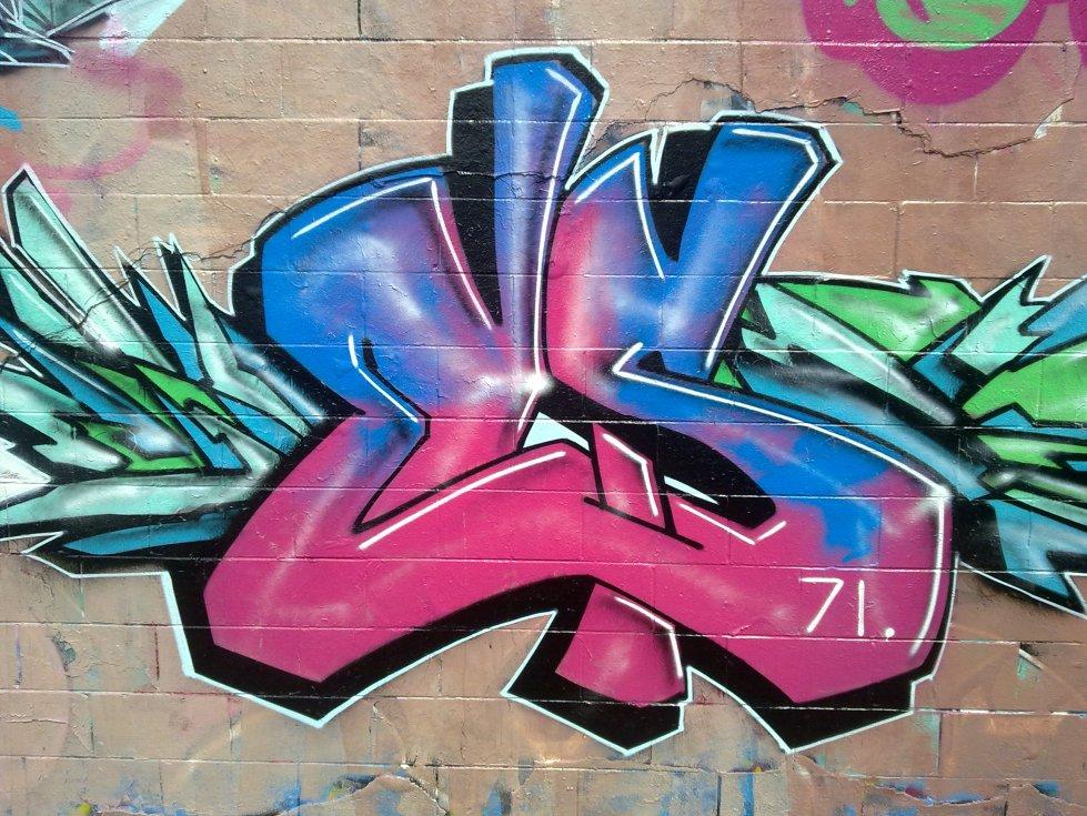 es 71 graffiti